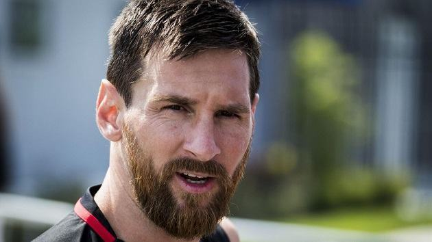 De Jong on Messi: 'Our job is to make things easy for him to make a difference' - Bóng Đá