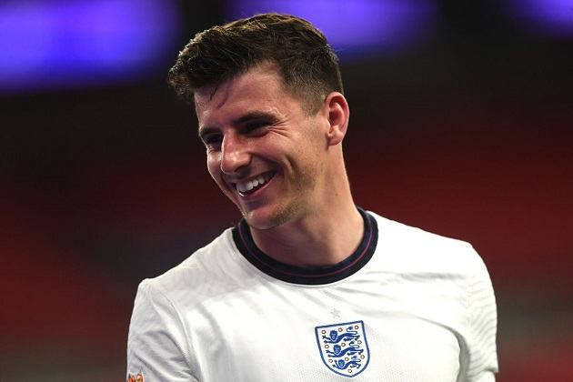 Ashley Cole gives 3 reasons why Mason Mount is 'one of the best young midfielders in England' - Bóng Đá