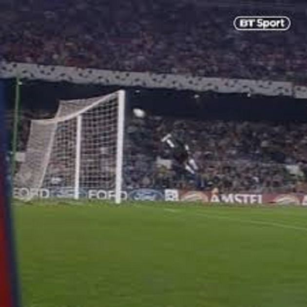 Throwback Thursday: Gregory Coupet With Arguably The Best Save Of All-Time - Bóng Đá