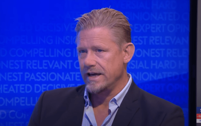 Peter Schmeichel names Manchester United's five 'leaders' after Arsenal defeat   Read more: https://metro.co.uk/2020/11/02/peter-schmeichel-names-manchester-united-five-leaders-arsenal-defeat-premier-league-13519153/?ito=newsnow-feed?ito=cbshare  Twitter: https://twitter.com/MetroUK | Facebook: https://www.facebook.com/MetroUK/ - Bóng Đá