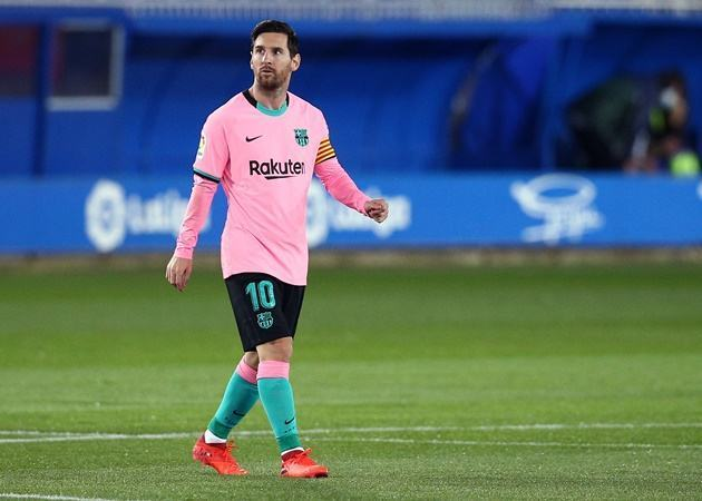 Lionel Messi's last four goals have come from the penalty spot for the first time in his professional career  - Bóng Đá